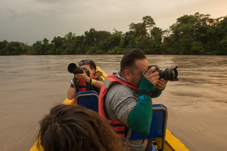 Fotografiando el atardecer desde el Río Guayabero