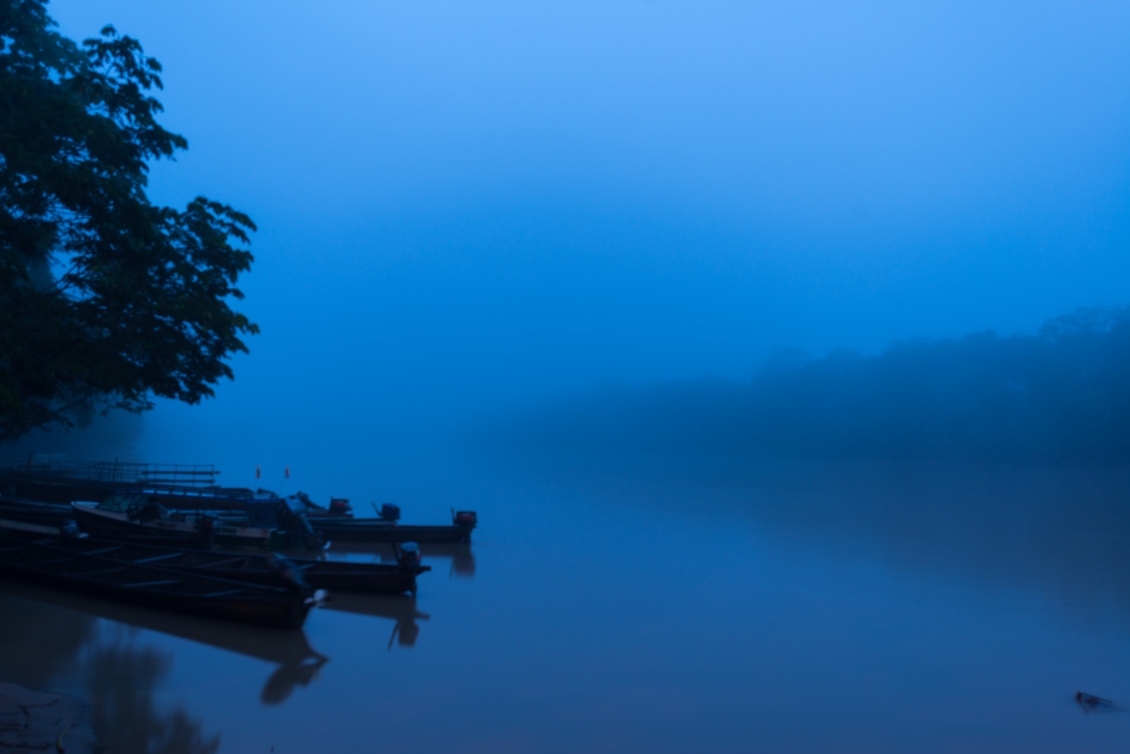 Río Guayabero con neblina en La Macarena Meta